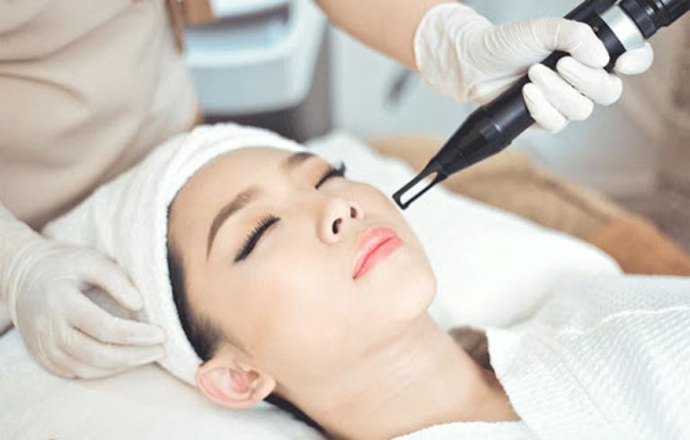 Cách trị sẹo thâm sau tai nạn an toàn hiệu quả tại nhà bằng gel silicon